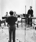 6-frank-denyer-rehears-in-after-the-rain-with-the-barton-workshop-amsterdam-1977