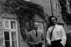 Frank Denyer and Witold Lutoslawski, Dartington, cca 1960